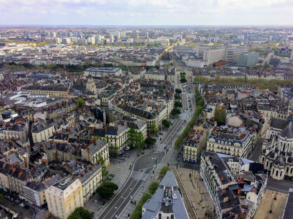 panorama de la ville de nantes vue du ciel